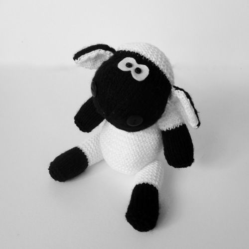 Makerist - Ally the Sheep - Knitting Showcase - 2