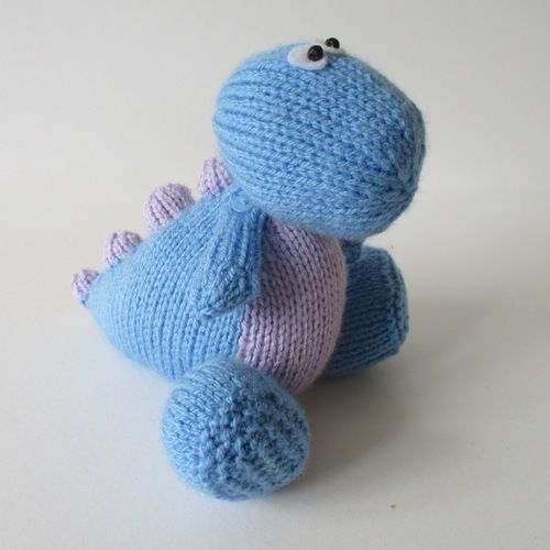 Makerist - Dippy the Dinosaur - Knitting Showcase - 2