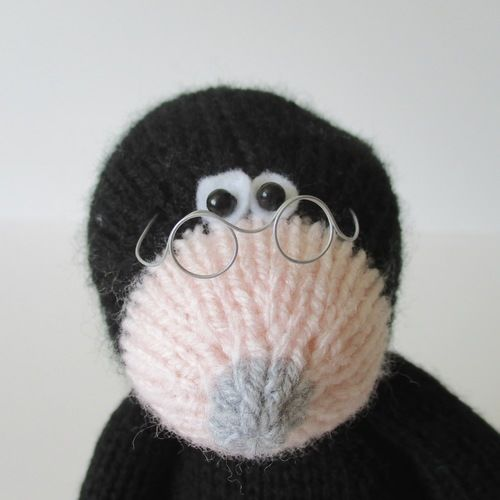 Makerist - Milton the Mole - Knitting Showcase - 2