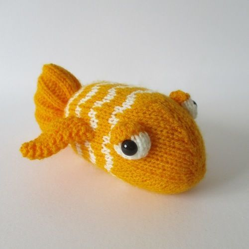 Makerist - George the Goldfish - Knitting Showcase - 1