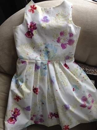 Kleidchen  für eine Hochzeitsfeier