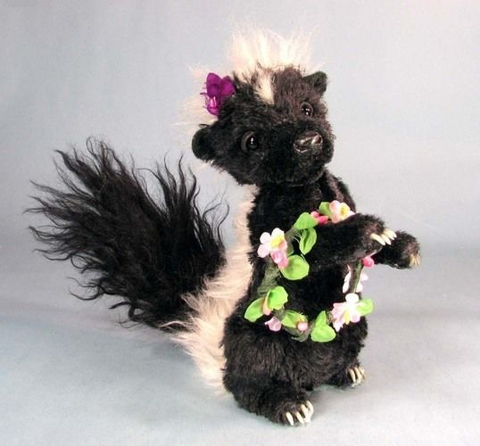 "Makerist - 7"" Petunia Skunk posable mohair collectible  artist soft sculptured animal - Sewing Showcase - 1"