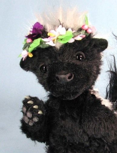 "Makerist - 7"" Petunia Skunk posable mohair collectible  artist soft sculptured animal - Sewing Showcase - 2"