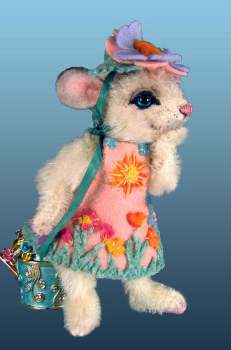 "Makerist - 4"" Sleepy jointed mohair mouse by Mary Wimberley - Sewing Showcase - 3"