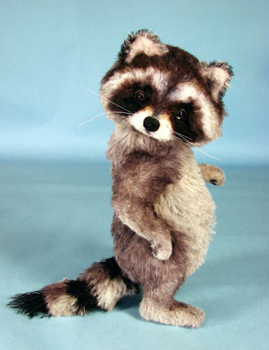 "Makerist - 10"" positionable alpaca collectible raccoon  - Sewing Showcase - 2"