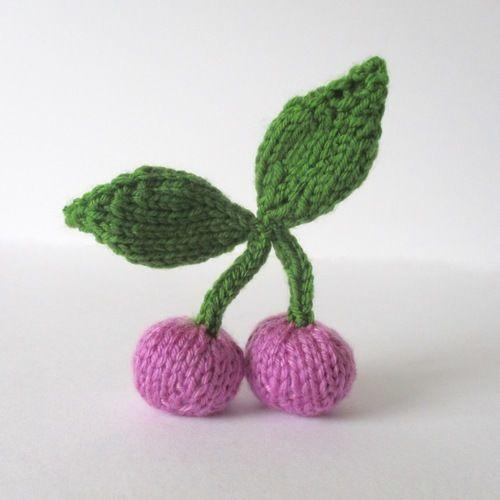 Makerist - Cherries - Knitting Showcase - 1