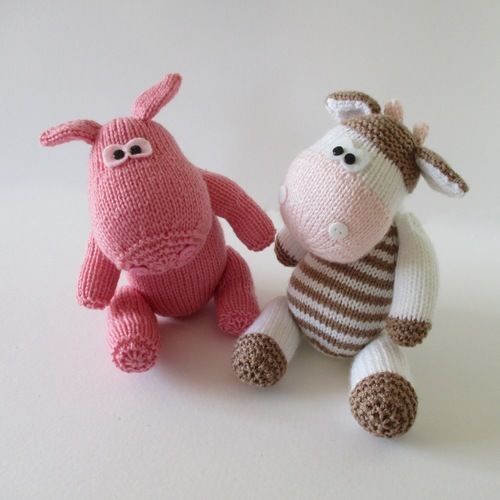 Makerist - Chutney Cow and Pickles Pig - Knitting Showcase - 1
