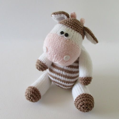 Makerist - Chutney Cow and Pickles Pig - Knitting Showcase - 3