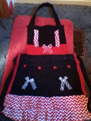 Makerist - a prairie bonnet,a tote/wallet,and black denim apron - Sewing Showcase - 3