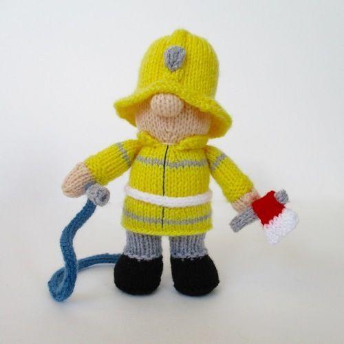 Makerist - Fireman Fred - Knitting Showcase - 1