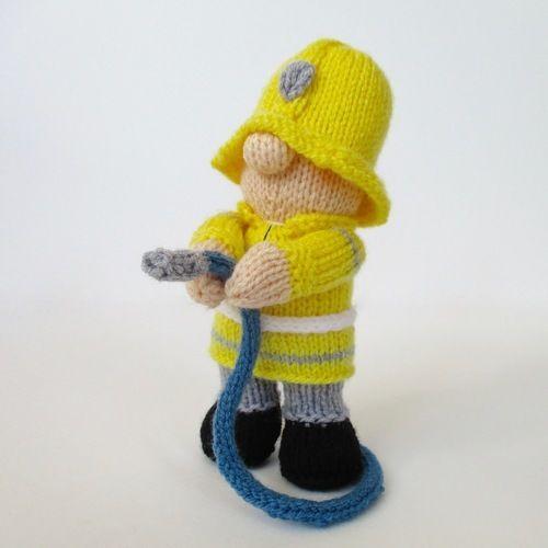 Makerist - Fireman Fred - Knitting Showcase - 2