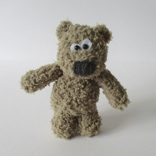 Makerist - Fluffy Bear - Knitting Showcase - 1