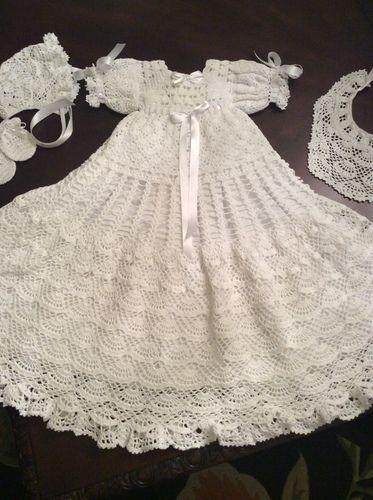 Makerist - Baby Andrea christening gown, bonnet, bib and mittons - Crochet Showcase - 1