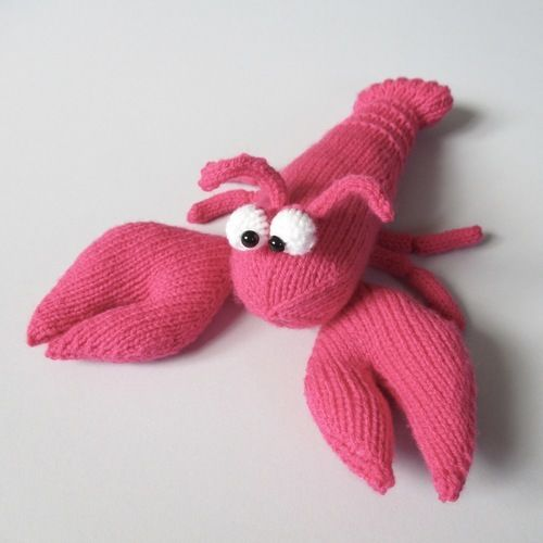 Makerist - Larry the Lobster - Knitting Showcase - 1