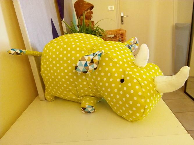 Makerist - Peluche Rhino - Créations de couture - 1