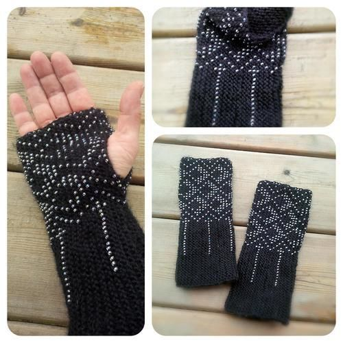 Makerist - Hand knitted wrist warmers. Wool and glass beads. - Knitting Showcase - 1
