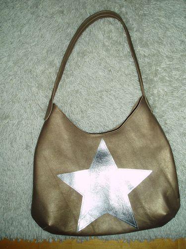Makerist - Lederhandtasche mit silbernen Stern - Nähprojekte - 1