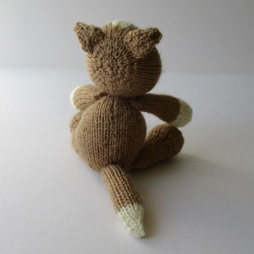 Makerist - Cavendish Cat - Knitting Showcase - 2