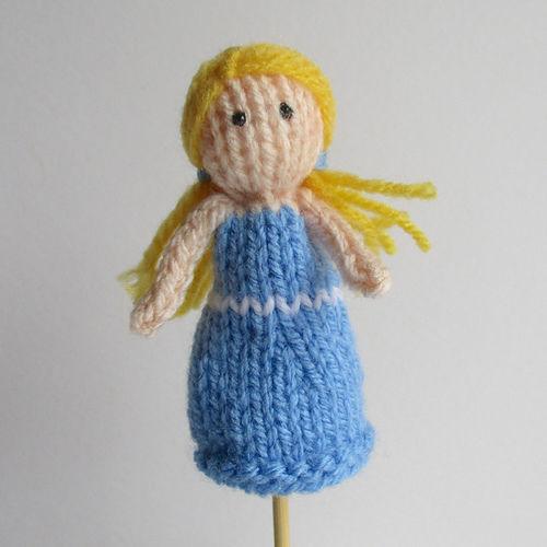 Makerist - Goldilocks Finger Puppet - Knitting Showcase - 1