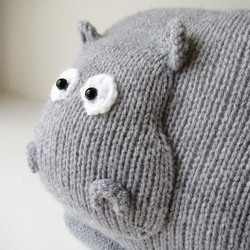 Makerist - Hippo Cushion - Knitting Showcase - 2