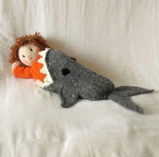 Makerist - Shark Attack dolls blanket - Knitting Showcase - 2