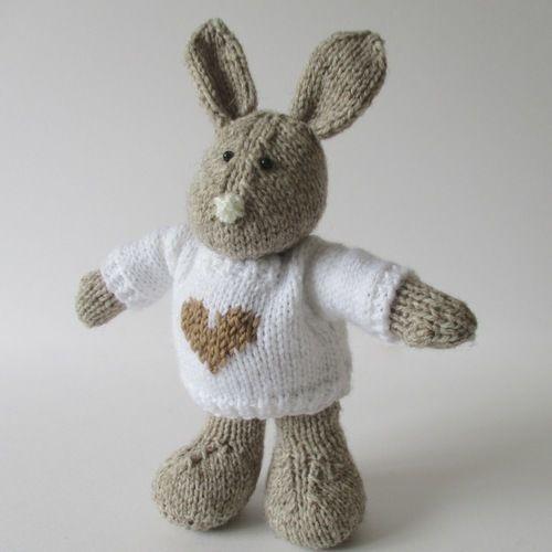 Makerist - Pip the Bunny - Knitting Showcase - 3