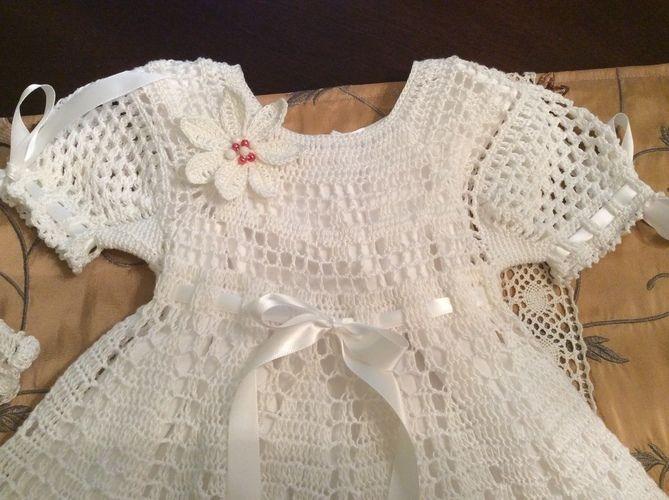 Makerist - poinsettia christening gown, hat and headband - Crochet Showcase - 3