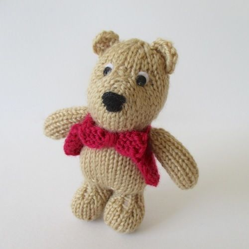 Makerist - George Bear - Knitting Showcase - 2