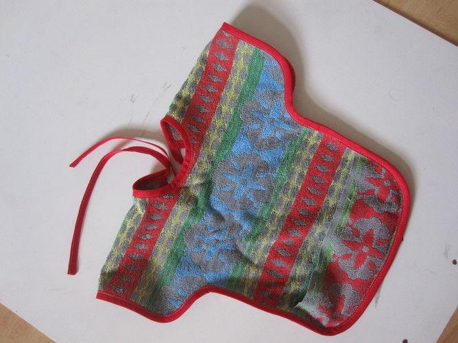 Makerist - ein Lätzchen mit Schulterschutz, aber ohne Ärmel - Nähprojekte - 2