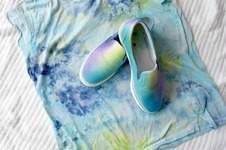 Makerist - Shirt & Schuhe selbst gefärbt - 1