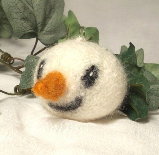 Makerist - Snowman Christmas Bauble - Knitting Showcase - 3