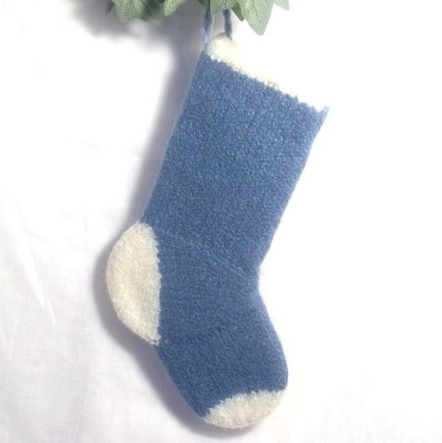 Makerist - Baby's First Christmas Stocking - Knitting Showcase - 3