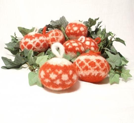 Makerist - Felt Christmas Baubles - Knitting Showcase - 1
