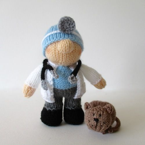 Makerist - Victor the Vet - Knitting Showcase - 1