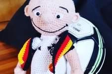 """Makerist - """"GER-MANY"""" EM-Glücksbringer-Maskottchen den ich für meinen Sohn zur Fußball EM 2016 gehäkelt habe  - 1"""