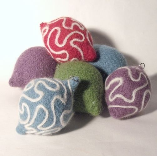 Makerist - Needle felted Christmas Baubles - Knitting Showcase - 1