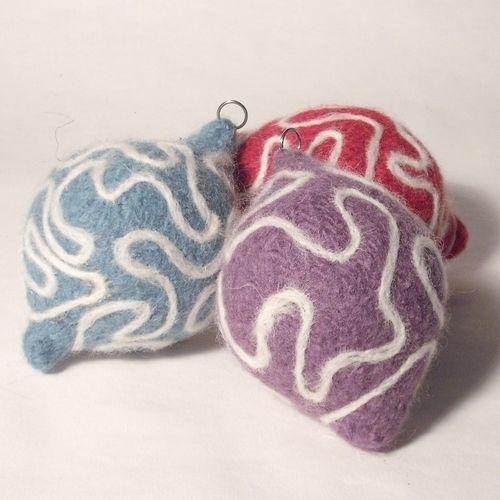 Makerist - Needle felted Christmas Baubles - Knitting Showcase - 2
