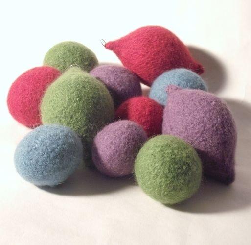 Makerist - Needle felted Christmas Baubles - Knitting Showcase - 3