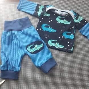Makerist - Klimperkleine checkerhose und regenbogenbody als shirt.  - 1