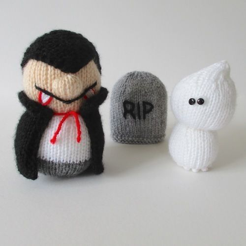 Makerist - Dracula and Ghosty - Knitting Showcase - 1