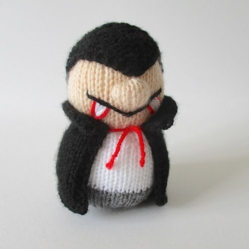 Makerist - Dracula and Ghosty - Knitting Showcase - 2