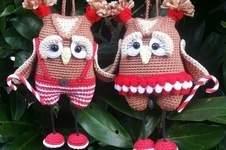 Makerist - Amigurumi Weihnachts Eulen Paar 15 cm Groß - 1