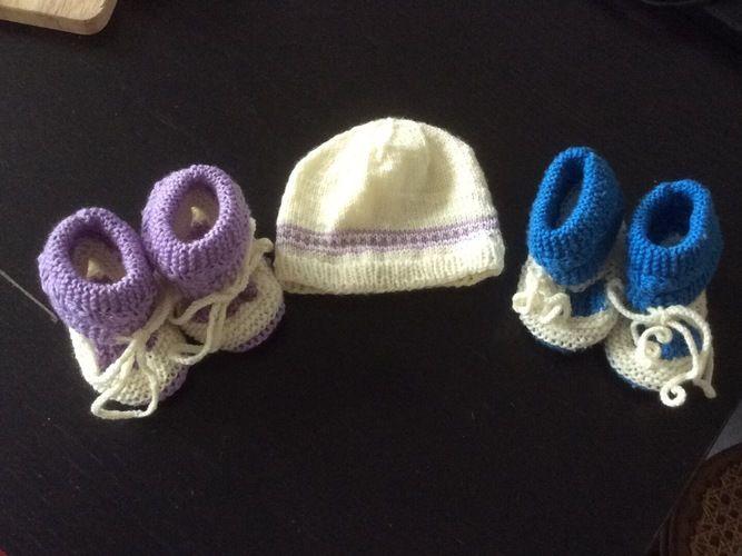 Makerist - Babyschühchen und Mützchen - Strickprojekte - 1