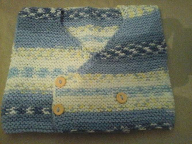 Makerist - Petit Gilet  Bébé sans manches croisé sur la poitrine tricoter au point mousse . taille 1 mois - Créations de tricot - 2