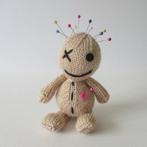 Makerist - Voodoo Doll - Knitting Showcase - 1