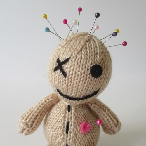 Makerist - Voodoo Doll - Knitting Showcase - 2