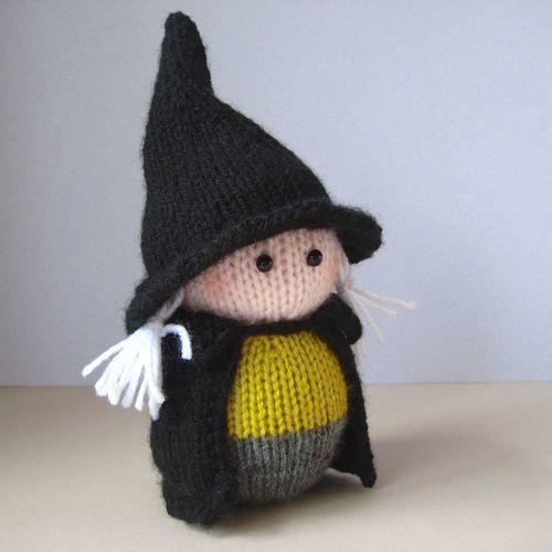 Makerist - Wanda the Witch - Knitting Showcase - 2