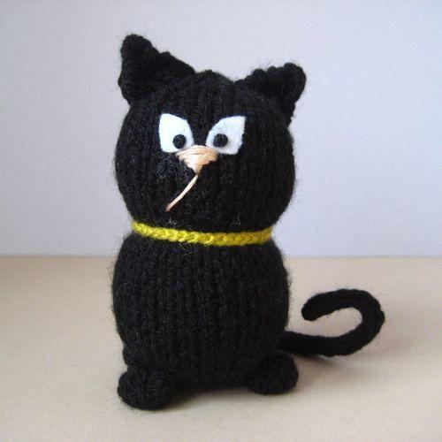 Makerist - Wanda the Witch - Knitting Showcase - 3