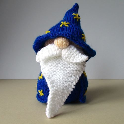 Makerist - Grumble-Snuff the Wizard - Knitting Showcase - 1