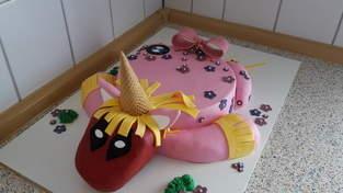 Makerist - Deadpool-Einhorn-Torte - 1